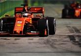 Ferrari získalo v Singapuru double. Vettel se dostal před Leclerca přes boxy