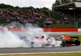 Vettel posbíral nejvíce trestných bodů ze všech jezdců. Nyní je blízko zákazu startu