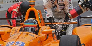 Video: Alonso v Indy 500 ve 100 sekundách