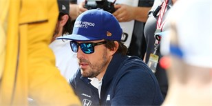Alonso získal za start v Indy 500 cenu