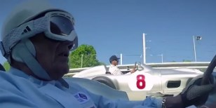 Video: Hamilton a Sir Stirling Moss na ovále v Monze