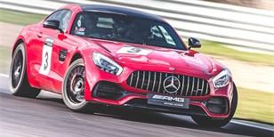 AMG Driving Academy: Učili jsme se řídit. S rychlými Mercedesy!